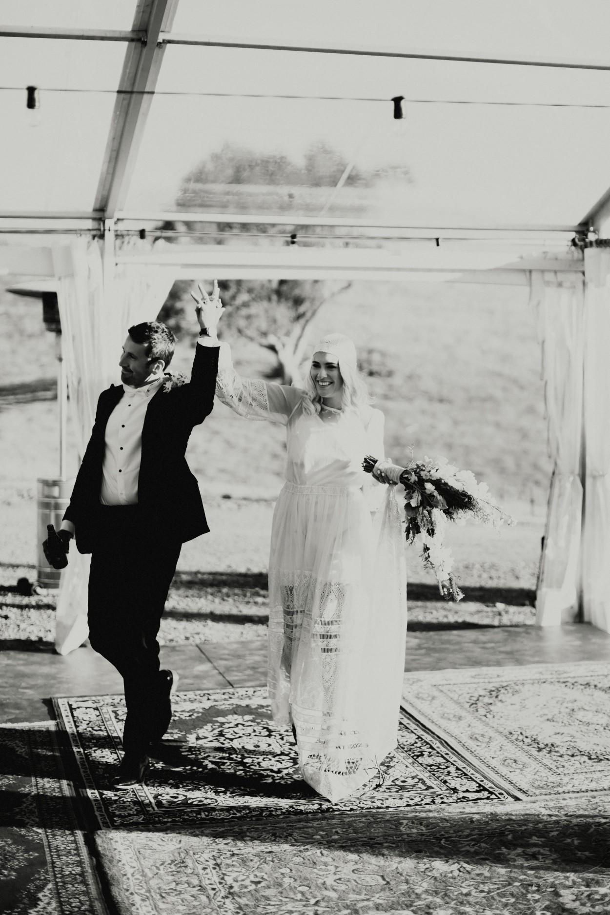 I-Got-You-Babe-Weddings-Farm-Wedding-Emma-Tim208.jpg