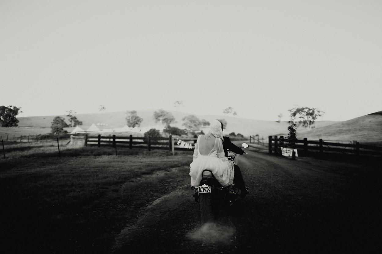 I-Got-You-Babe-Weddings-Farm-Wedding-Emma-Tim242.jpg