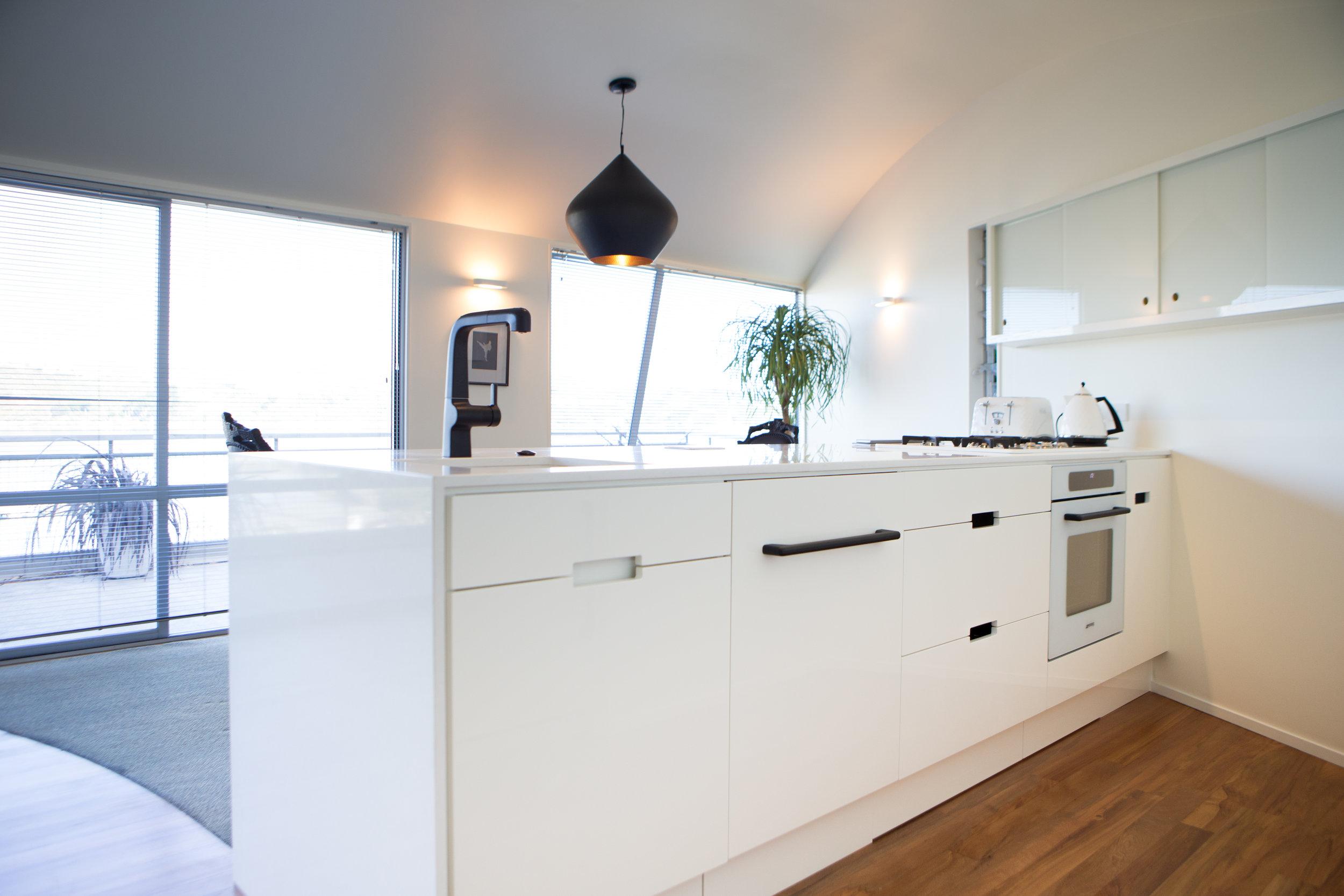 In Haus Design White Kitchen 03.jpg