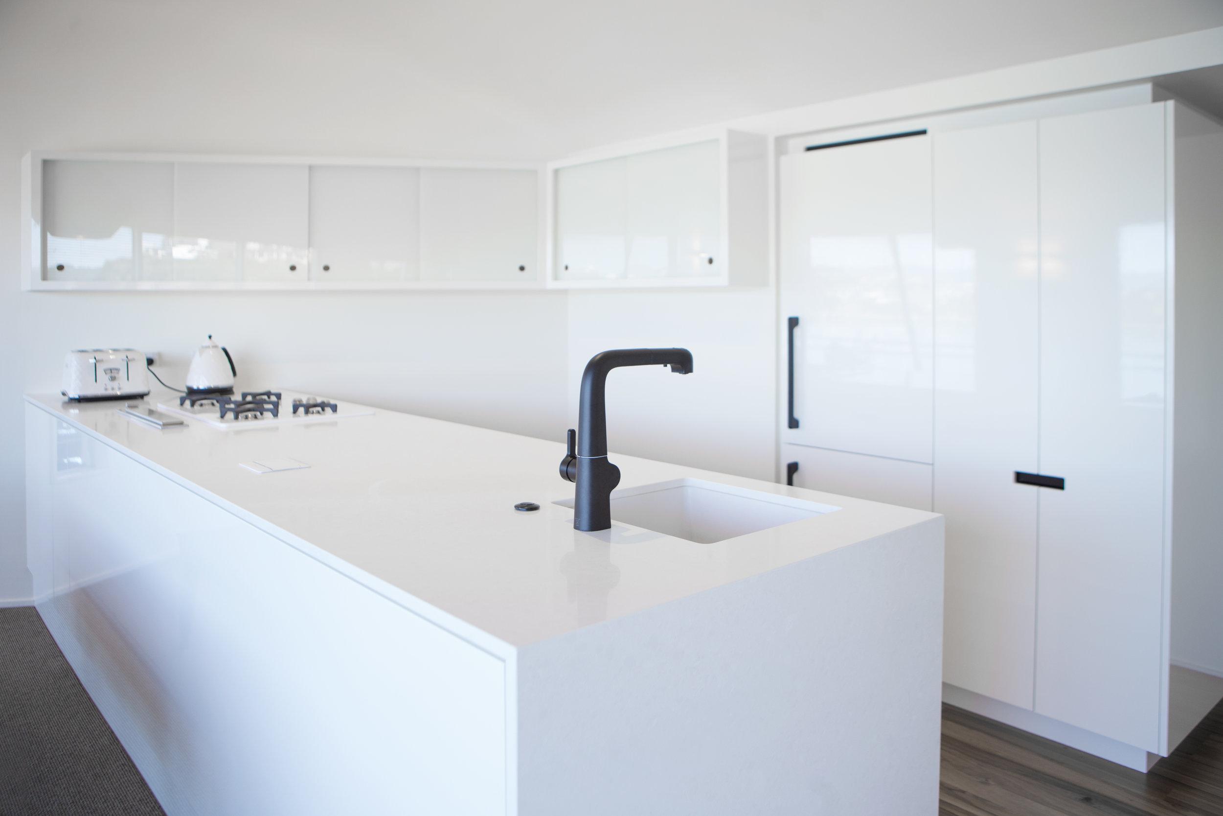 In Haus Design White Kitchen 02.jpg