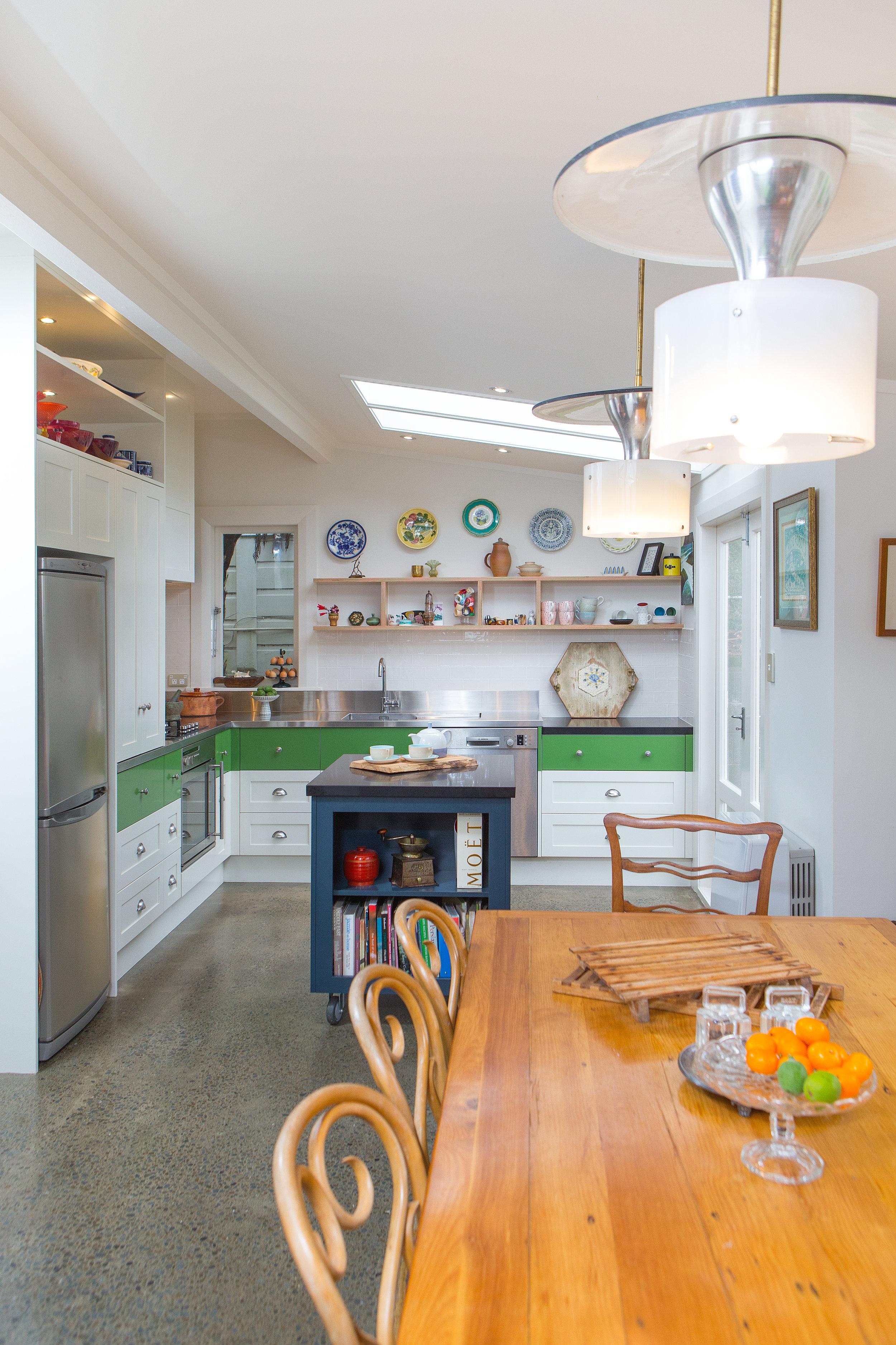In Haus Design Green Kitchen 02.jpg