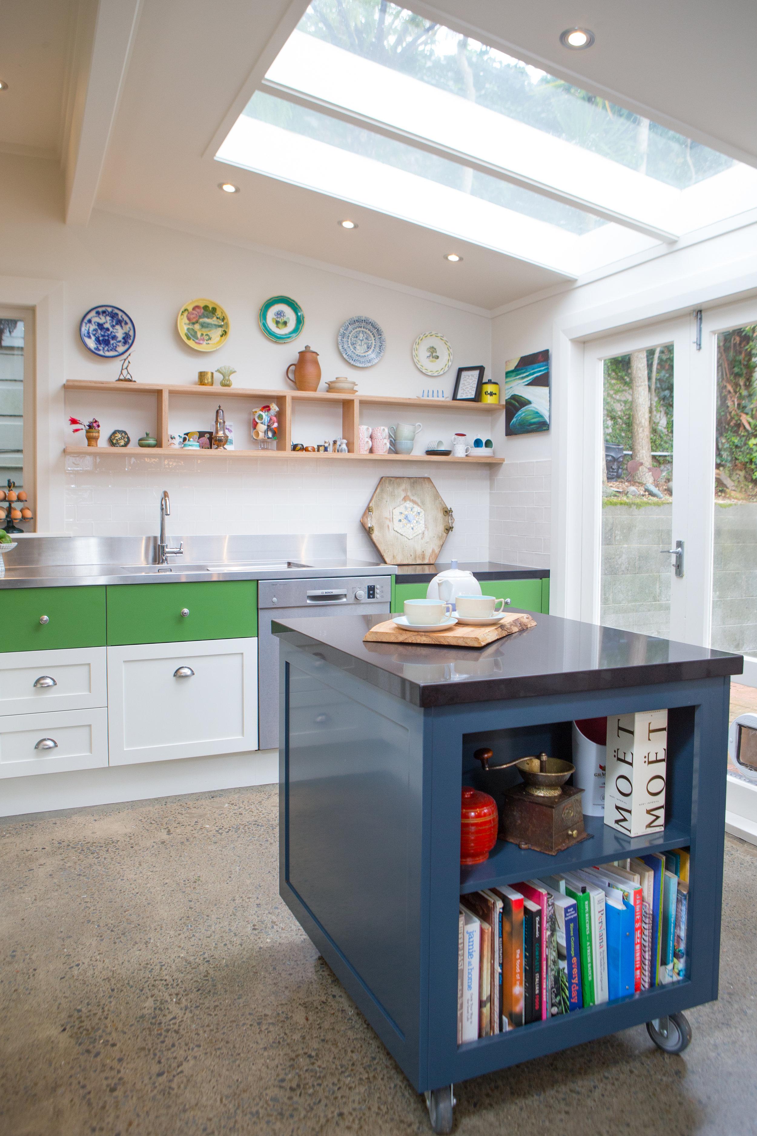 In Haus Design Green Kitchen 04.jpg