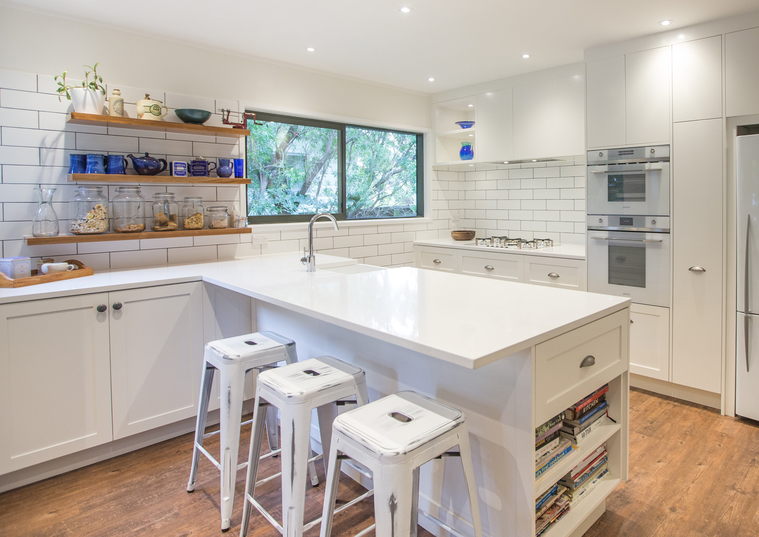 In Haus Design White Kitchen 01 crop.jpg