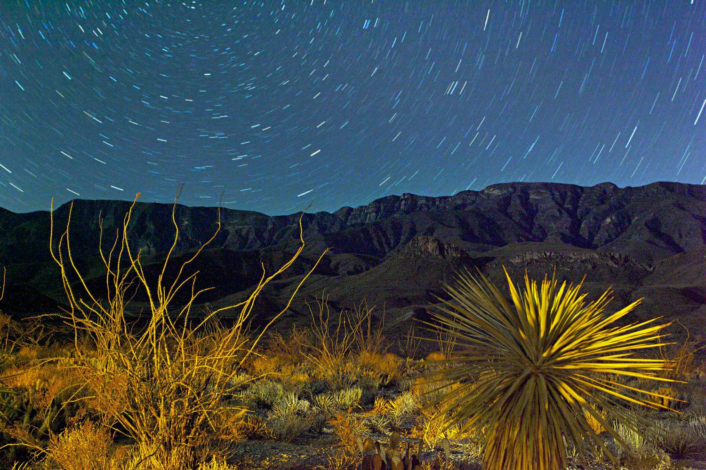 desert-night-sky-timelapse-1500.jpg