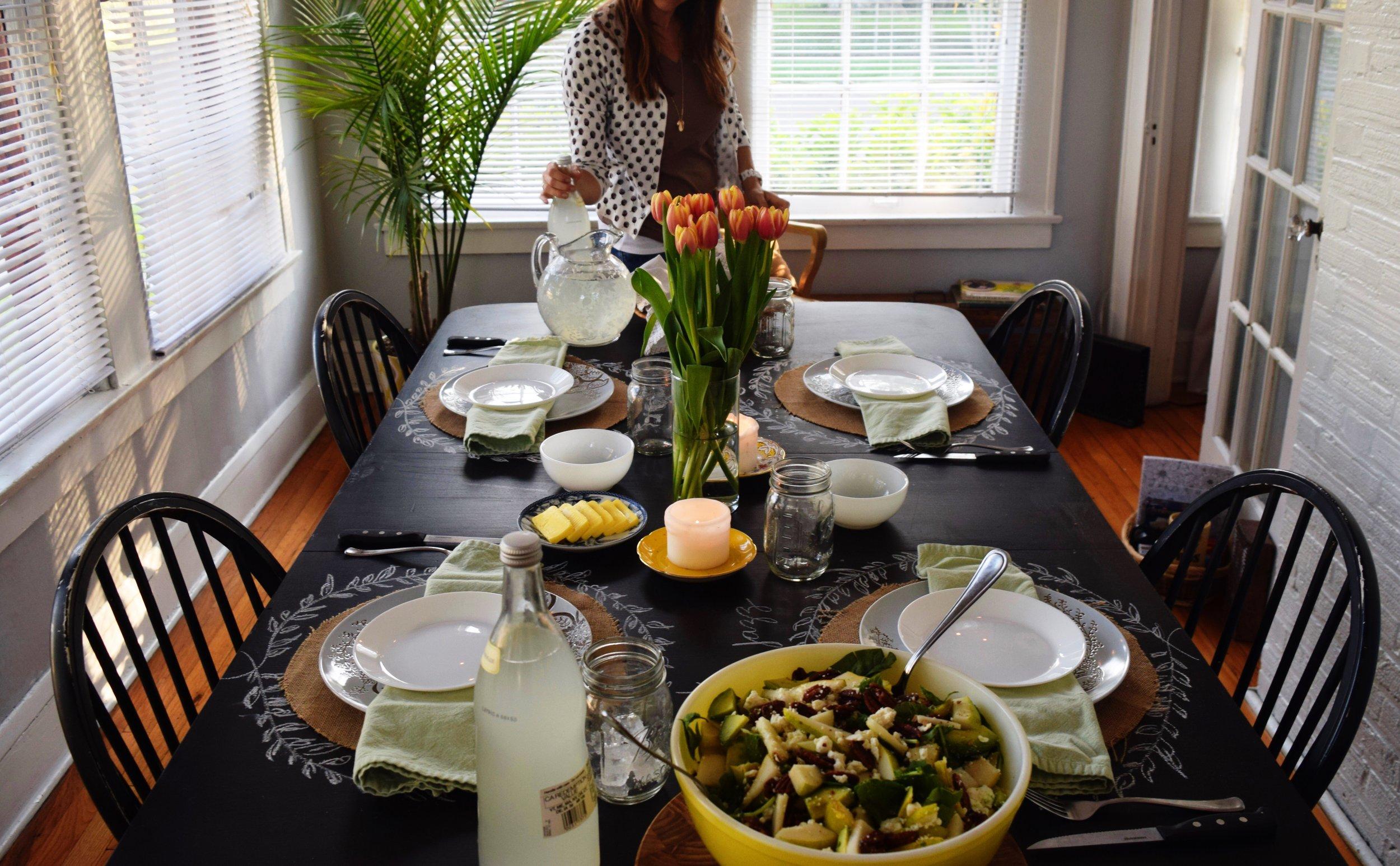 HOSTING A DINNER: PLANNING (via JacinthaPayne.com)