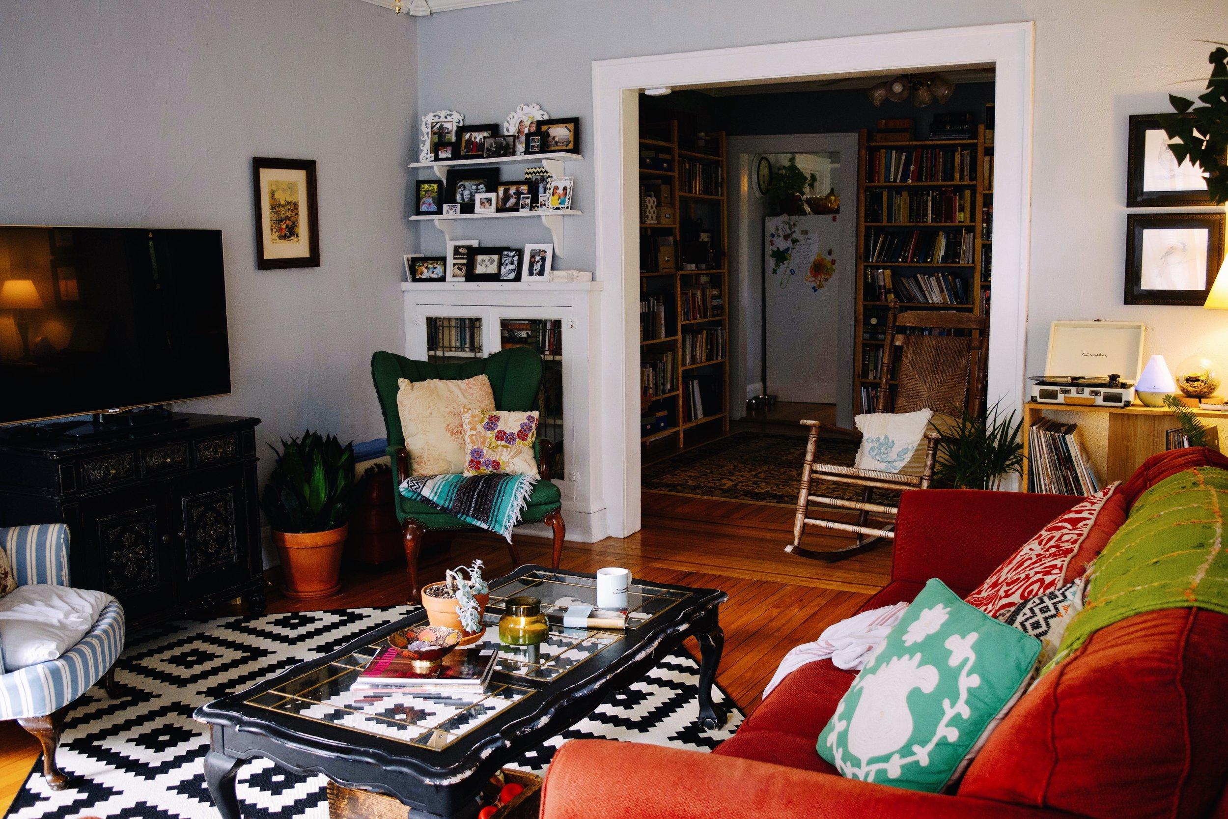 LIVING ROOM (BEFORE & AFTER) (Via: JacinthaPayne)