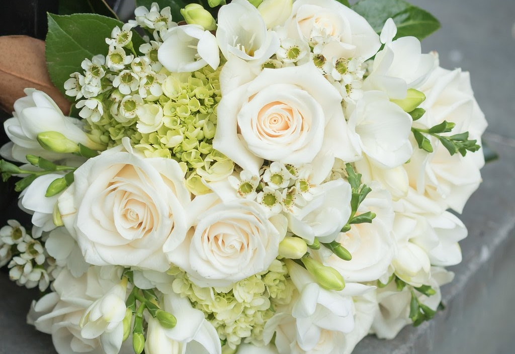 Flowers by  Morrison's Flowers & Gifts  | Photography by  Simply Focused Photography