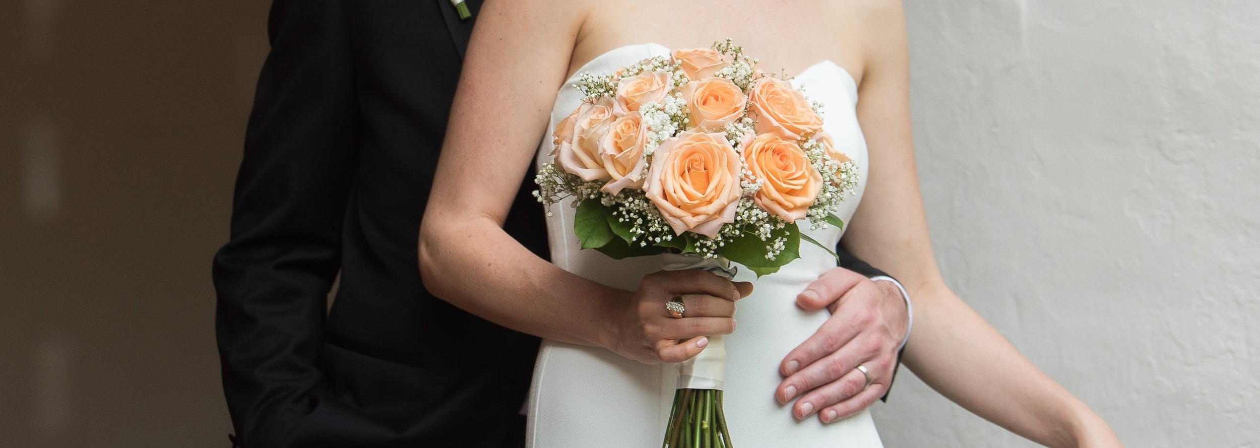 Flowers by  Morrison's Flowers & Gifts  | Photography by  Lindsay Lyons Photography