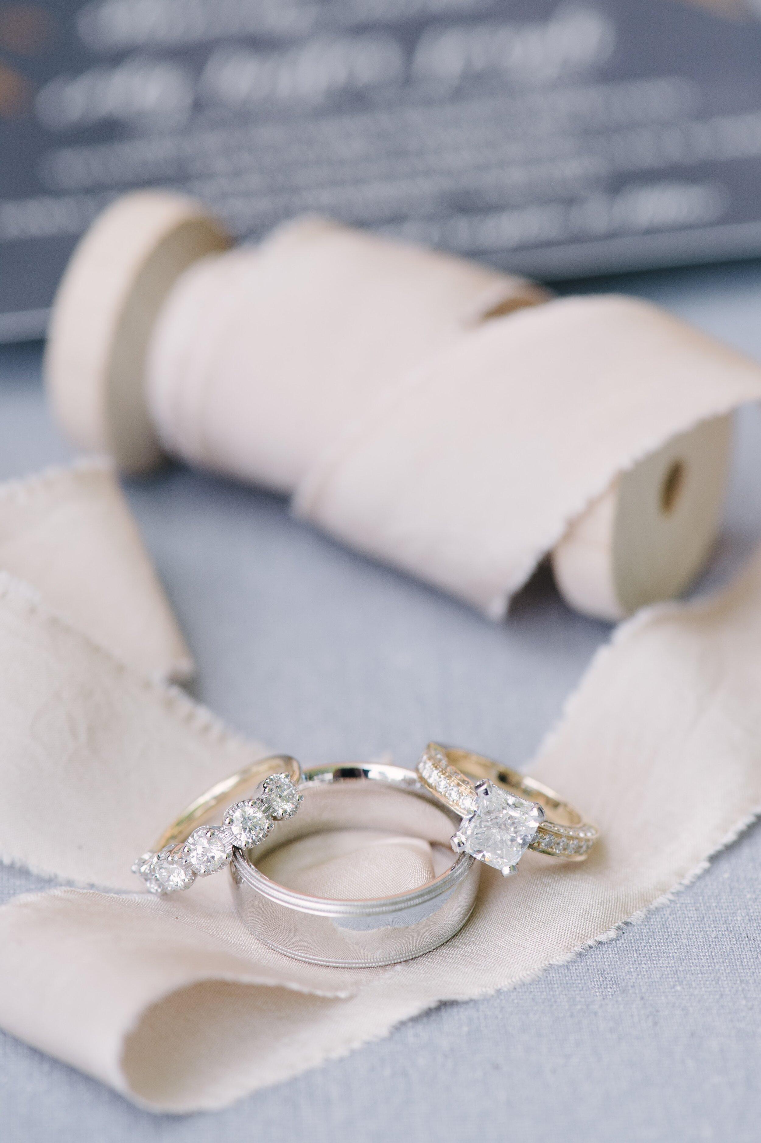 gettingready-wedding-sarah-street-photography-19.jpg