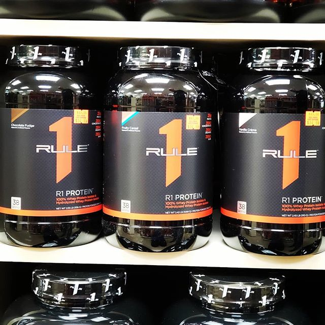 *BACK IN STOCK* Rule 1 protein is made with super-pure 100% whey isolate, fast-acting whey hydrolysate, and virtually nothing else.25 grams of protein, 6 grams of BCAAs, 4 grams of glutamine, and Gluten free! Better input = Better output! Come stop by and pick one up! #zerowaste #protein #fresh