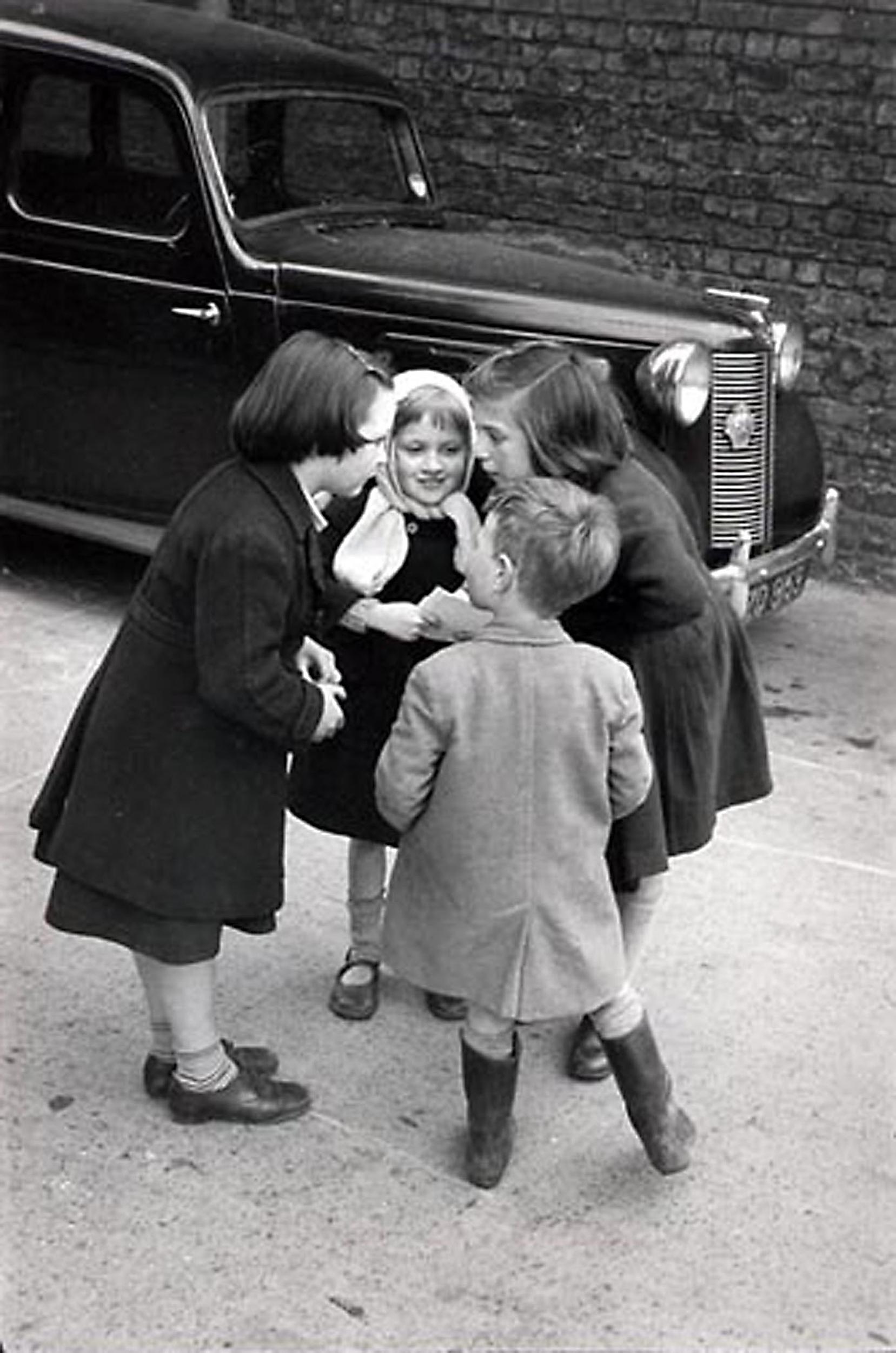 HANNON_three_girls_and_boy_(dublin)_1957_11x14_high.jpg