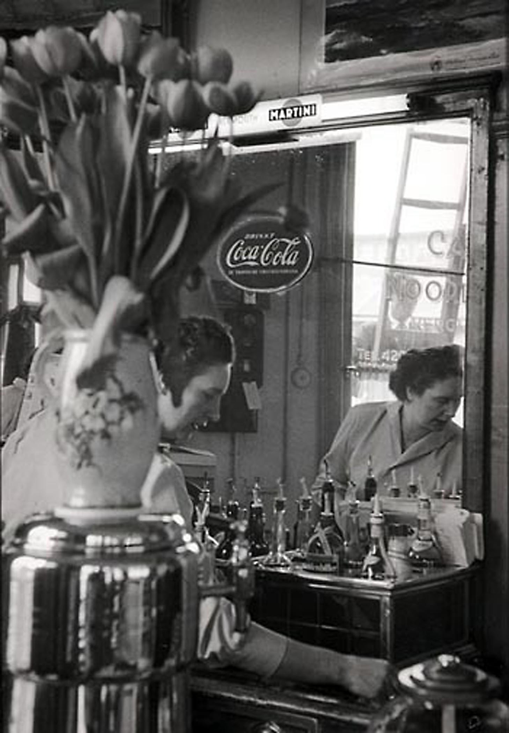 HANNON_tending_bar_(amsterdam)_1956_11x14_high.jpg