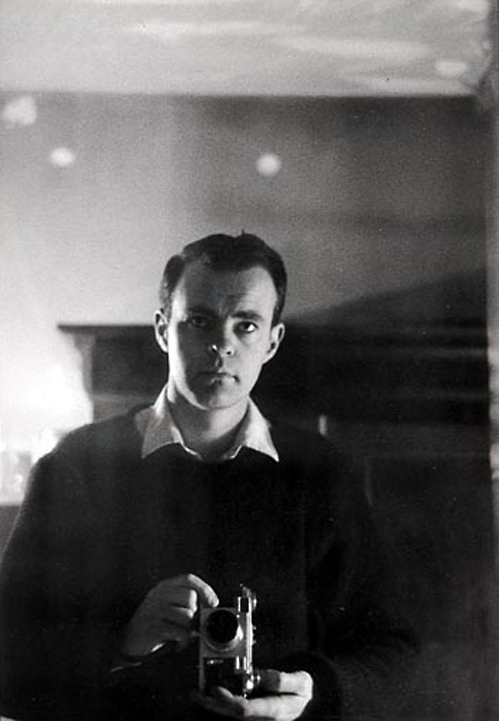HANNON_self_portrait_(paris)_1958_high.jpg
