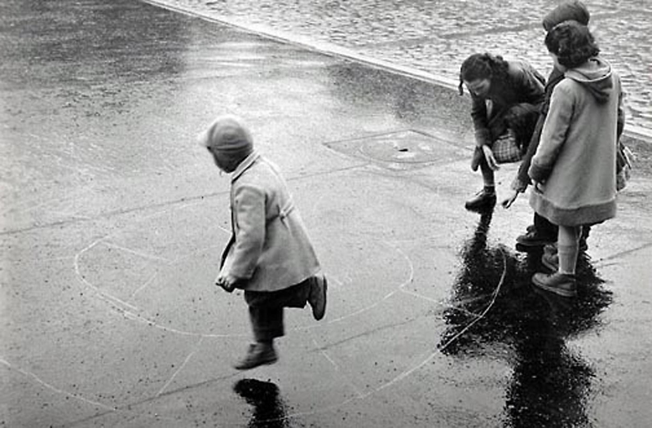 HANNON_hopscotch_(paris)_1956_p11x14_high.jpg