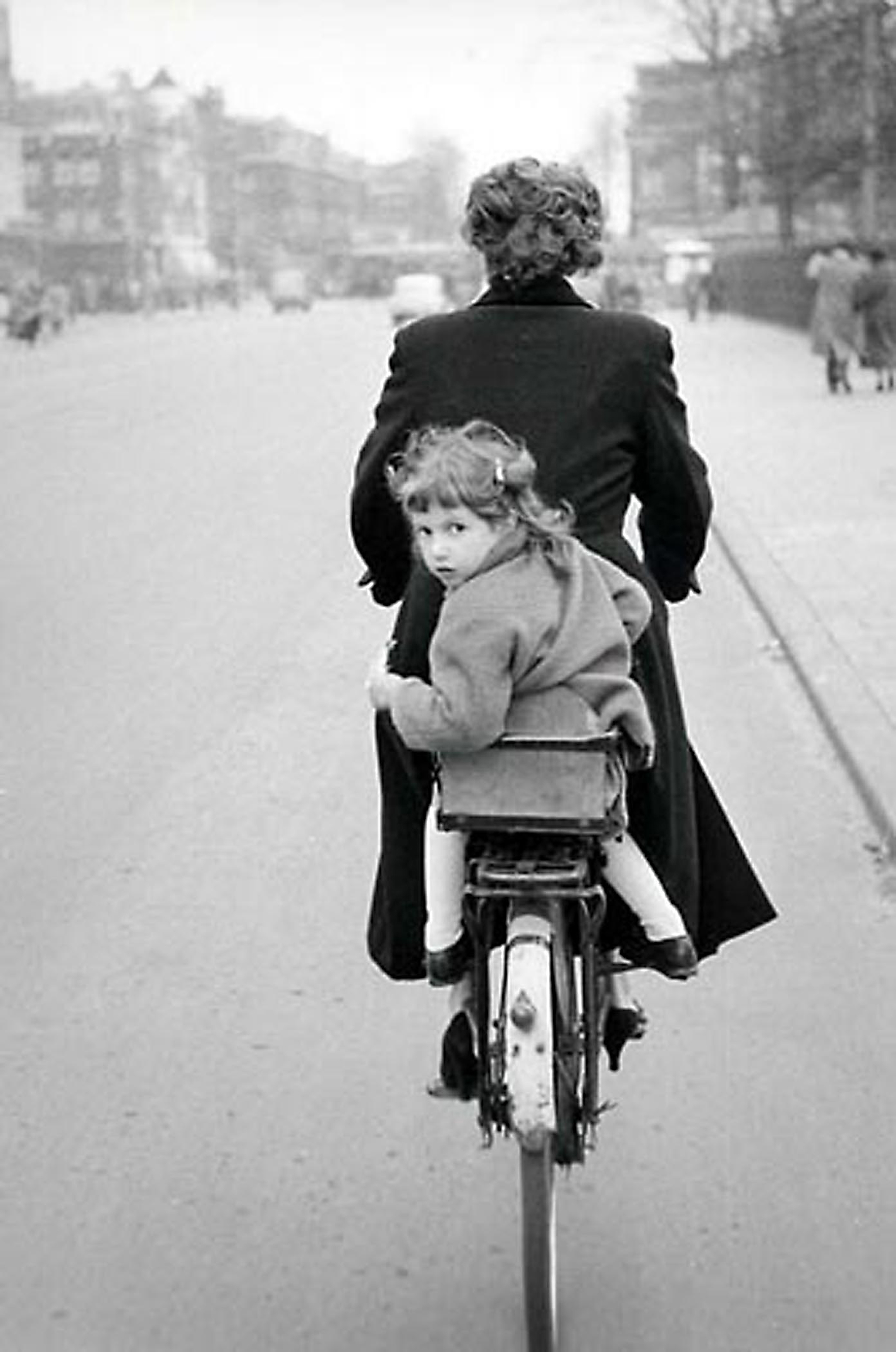 HANNON_girl_on_rear_of_bicycle_(copenhagen)_1956_p11x14_high.jpg