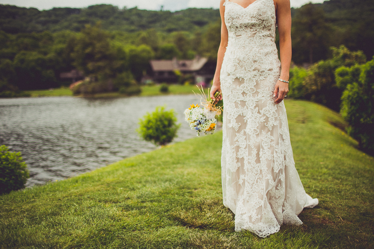 taylor-travis-grandfather-mountain-kelley-raye-north-carolina-wedding-photographer-26.jpg