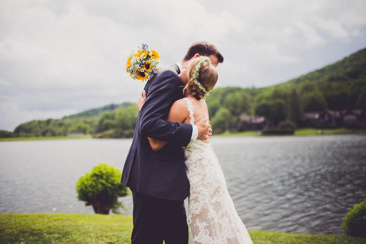 taylor-travis-grandfather-mountain-kelley-raye-north-carolina-wedding-photographer-37.jpg