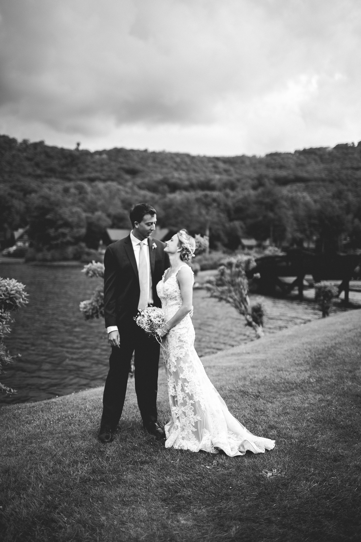 taylor-travis-grandfather-mountain-kelley-raye-north-carolina-wedding-photographer-45.jpg