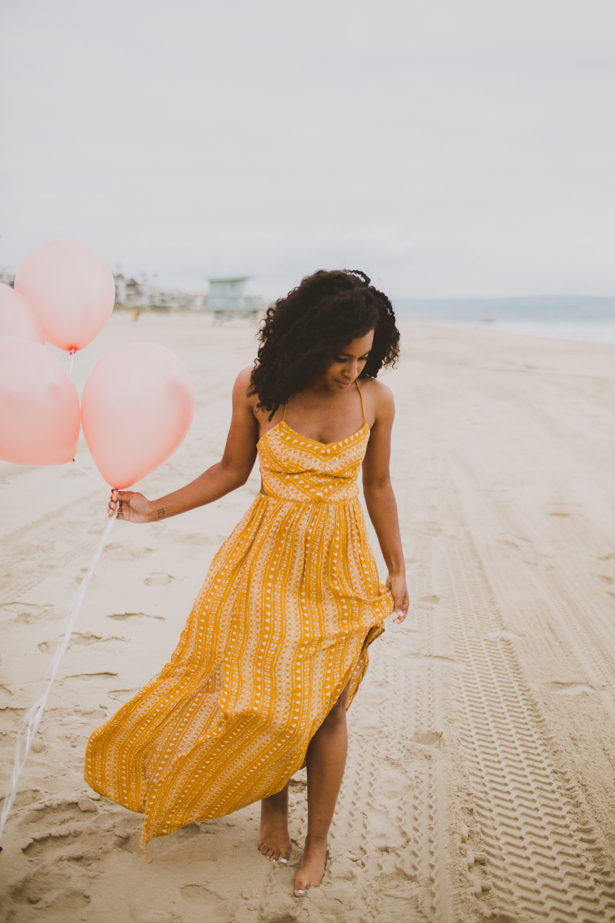 manhattan-beach-yellow-maxi-birthday-shoot-kelley-raye-los-angeles-atlanta-branding-photographer-8.jpg