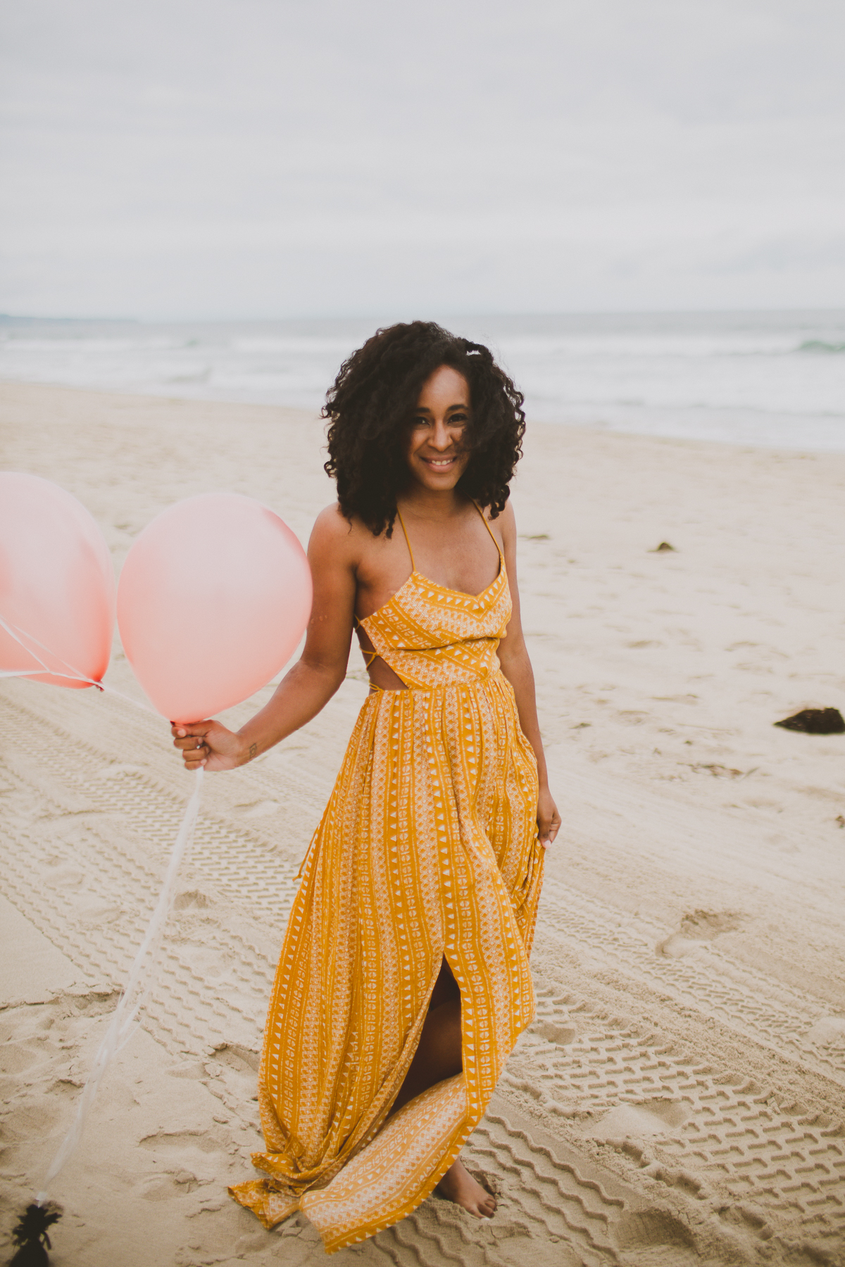 manhattan-beach-yellow-maxi-birthday-shoot-kelley-raye-los-angeles-atlanta-branding-photographer-9.jpg