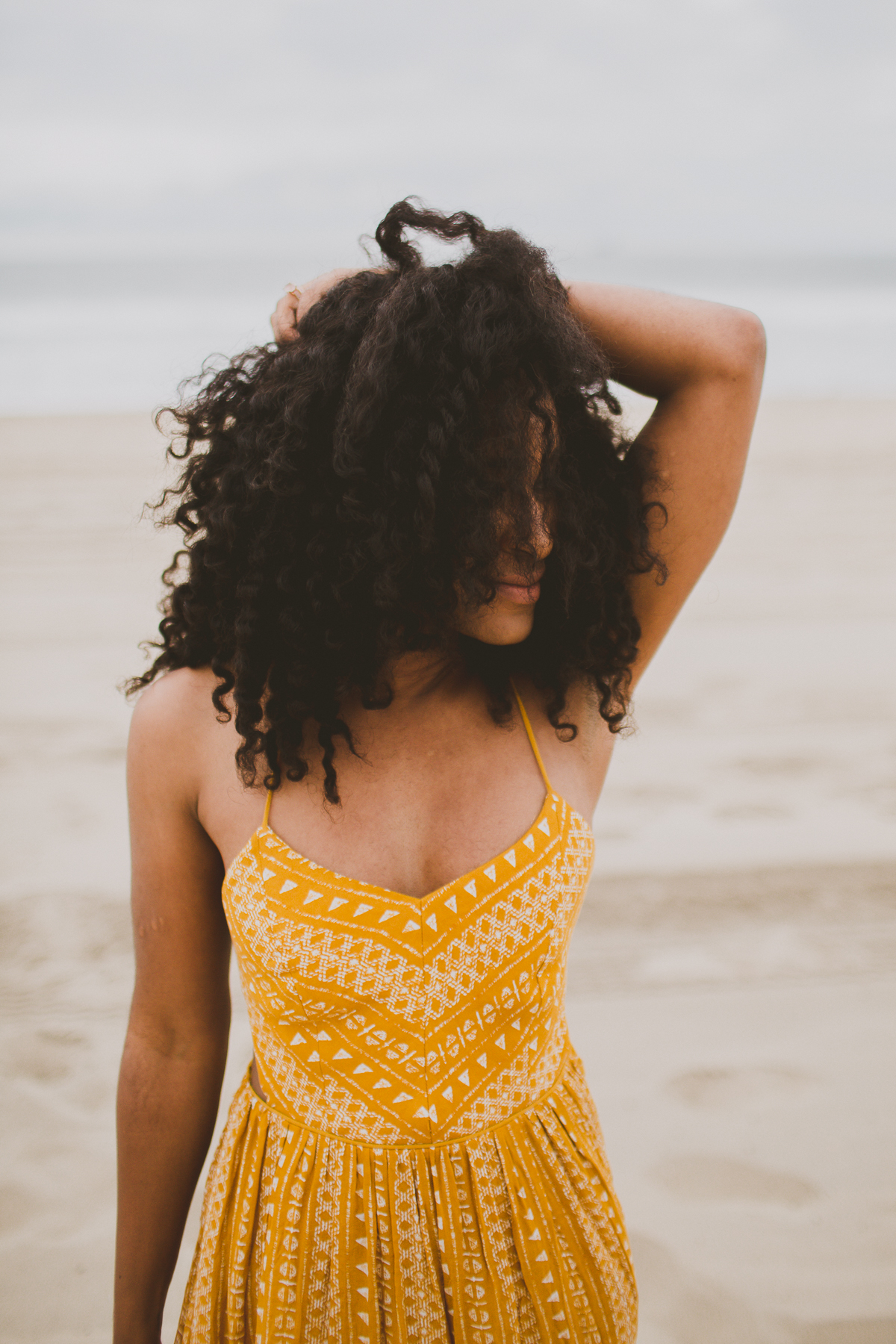 manhattan-beach-yellow-maxi-birthday-shoot-kelley-raye-los-angeles-atlanta-branding-photographer-17.jpg