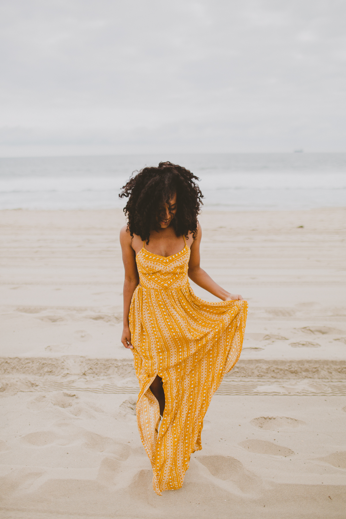 manhattan-beach-yellow-maxi-birthday-shoot-kelley-raye-los-angeles-atlanta-branding-photographer-19.jpg