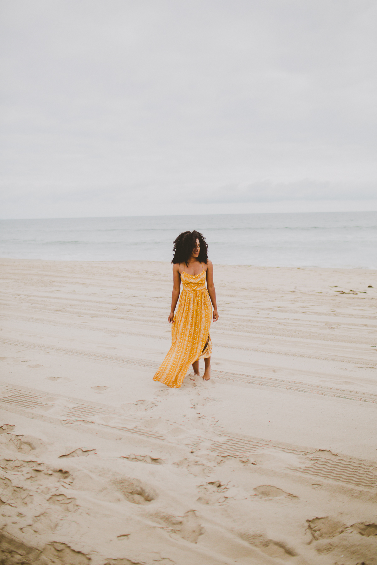 manhattan-beach-yellow-maxi-birthday-shoot-kelley-raye-los-angeles-atlanta-branding-photographer-23.jpg