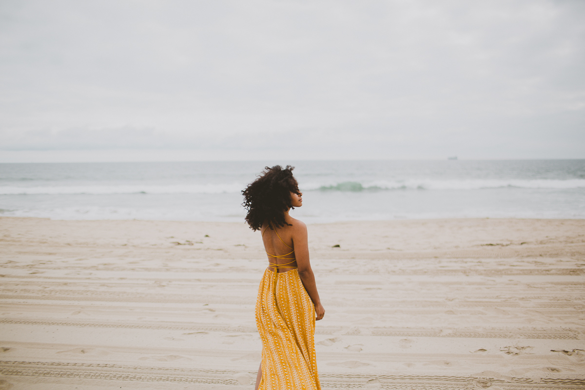 manhattan-beach-yellow-maxi-birthday-shoot-kelley-raye-los-angeles-atlanta-branding-photographer-29.jpg