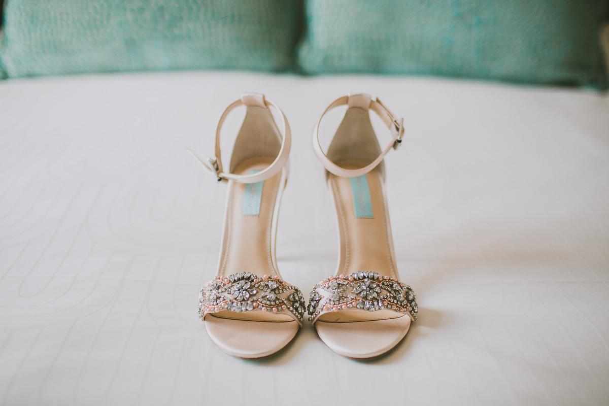 leah-jaron-adamson-house-malibu-kelley-raye-los-angeles-wedding-photographer-2.jpg