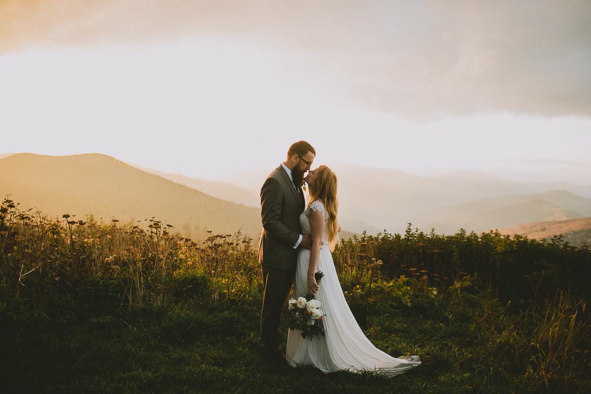 asheville-black-balsam-knob-intimate-wedding-kelley-raye-atlanta-wedding-photographer-51.jpg