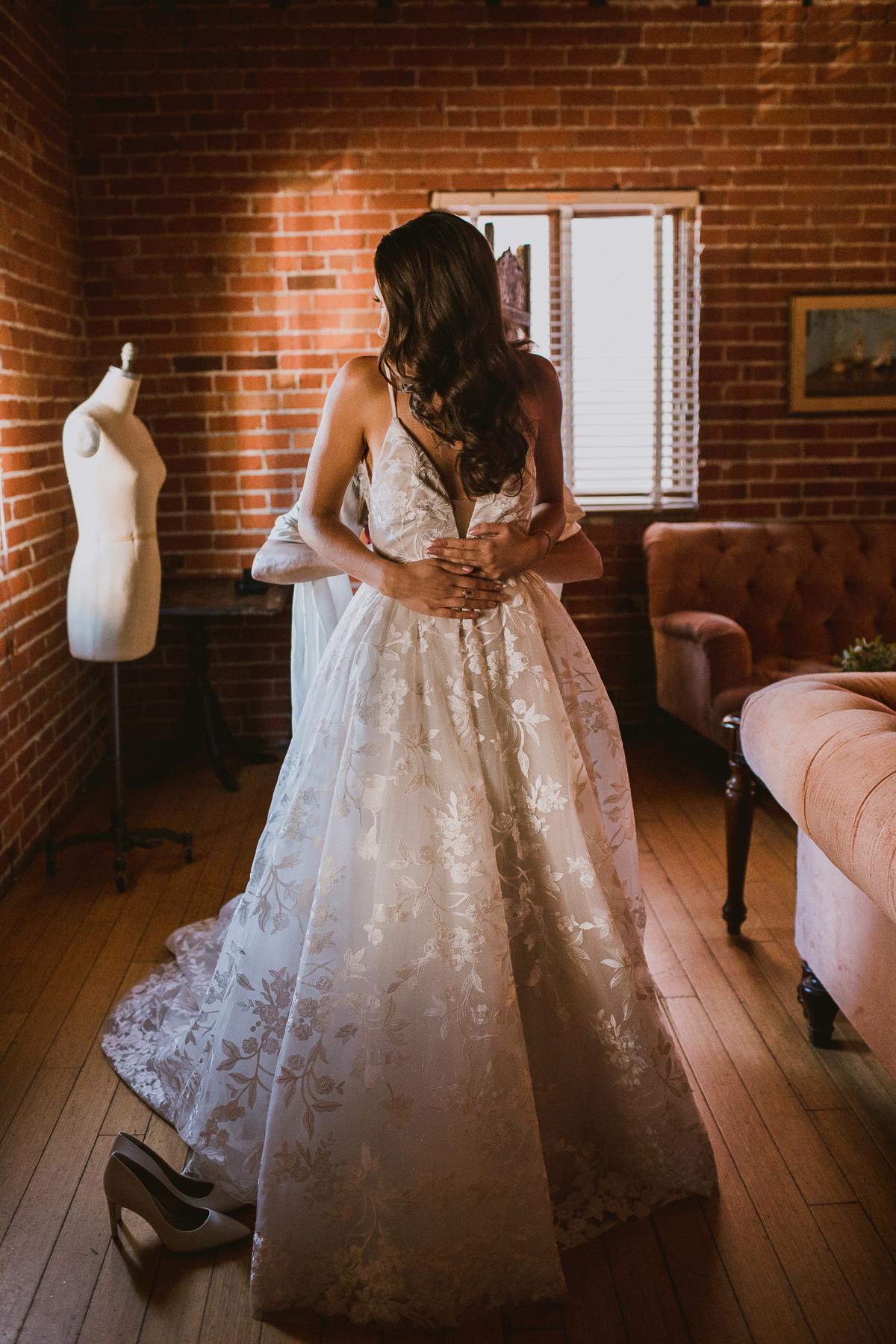 carondelet-house-kelley-raye-los-angeles-wedding-photographer-4.jpg