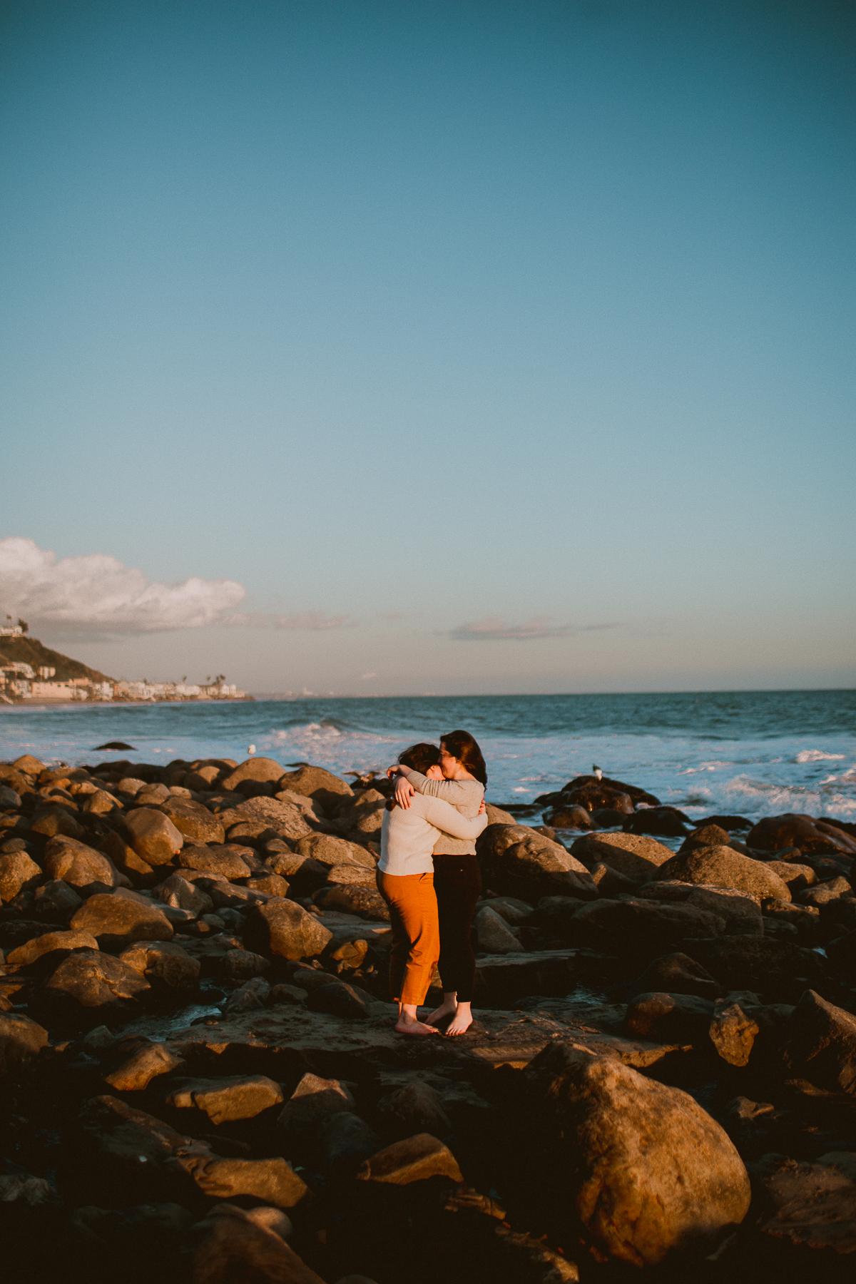 malibu-carbon-beach-engagement-session-kelley-raye-los-angeles-lifestyle-photographer-65.jpg