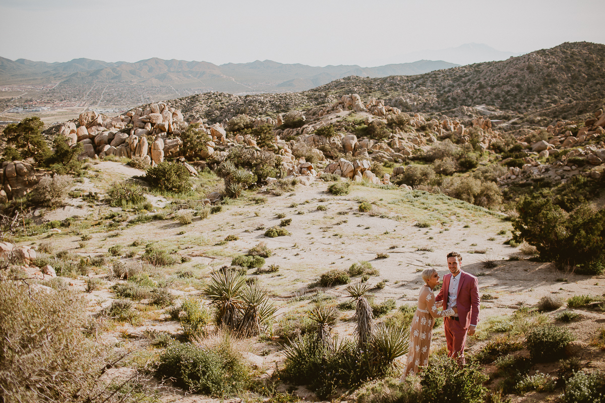 joshua-tree-national-park-engagement-kelley-raye-los-angeles-wedding-photographer-12.jpg