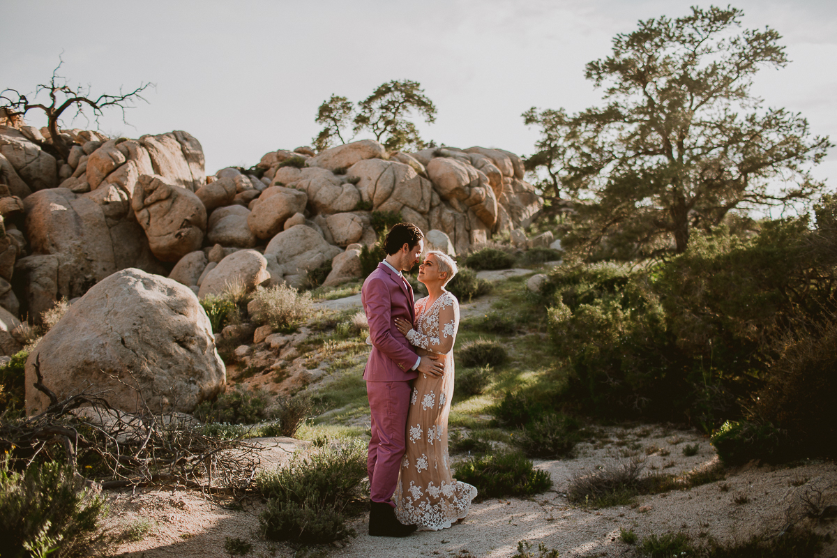 joshua-tree-national-park-engagement-kelley-raye-los-angeles-wedding-photographer-52.jpg