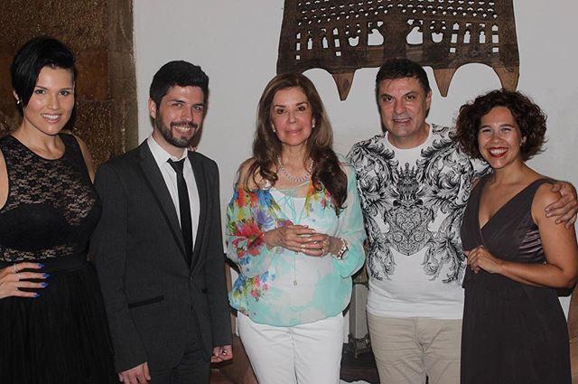 ::Quem vai ao Fado:: Casa de Linhares recebeu a visita da cantora Mexicana Guadalupe Pineda. #casadelinhares #omelhorfadodacidade #alfama #lisboa #bacalhaudemolho #guadalupepineda #cantora #mexico #fado