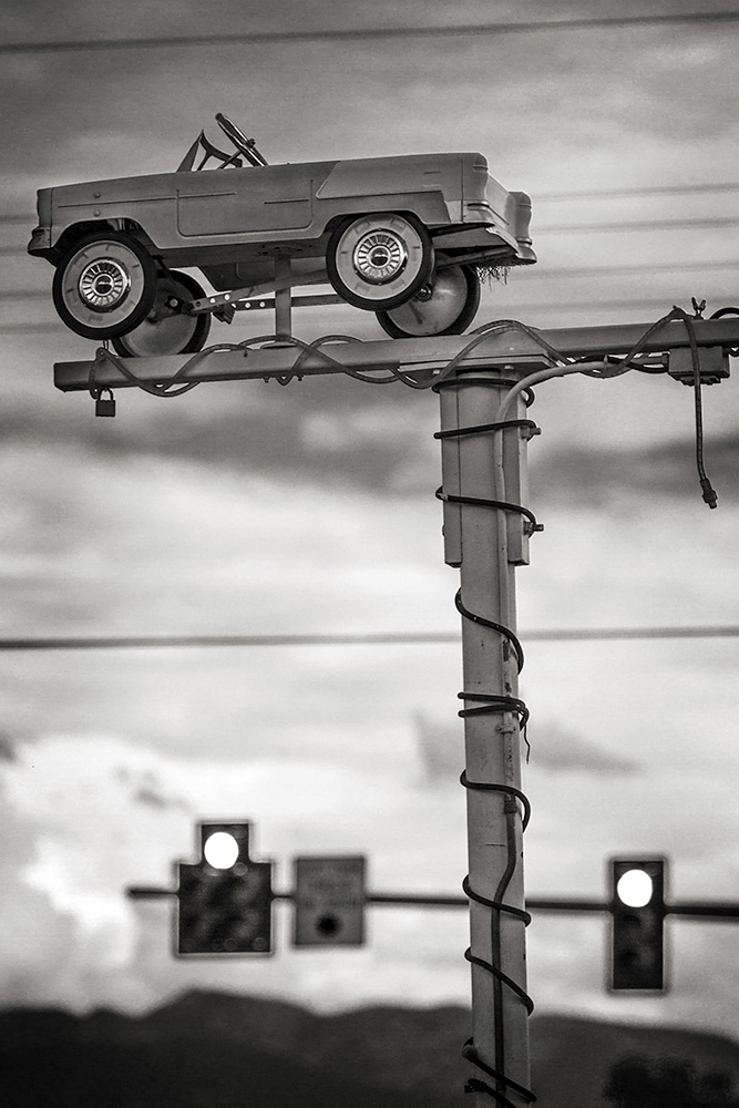 Car on a Post RT 93