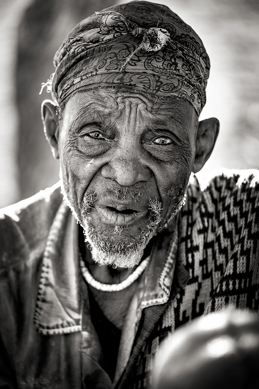 ig••BW Himba Man_DSF0837.jpg