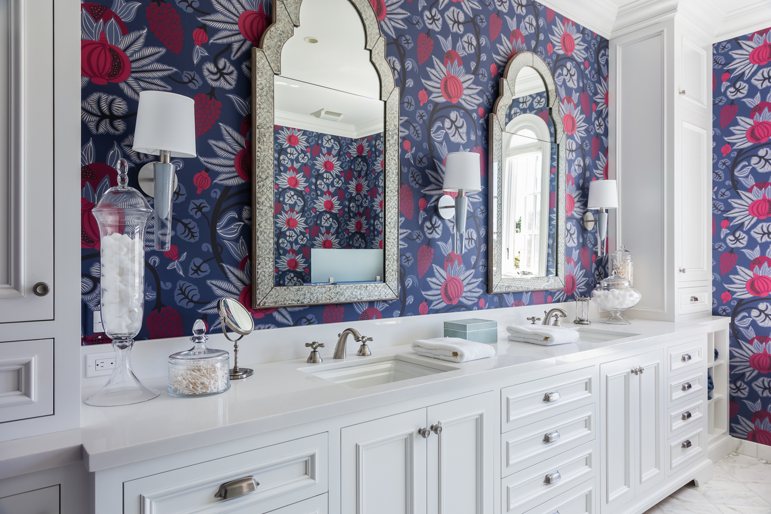 Grasse Sconce bathroom_JL Interior Design_photo Catherine Nguyen 2.jpg