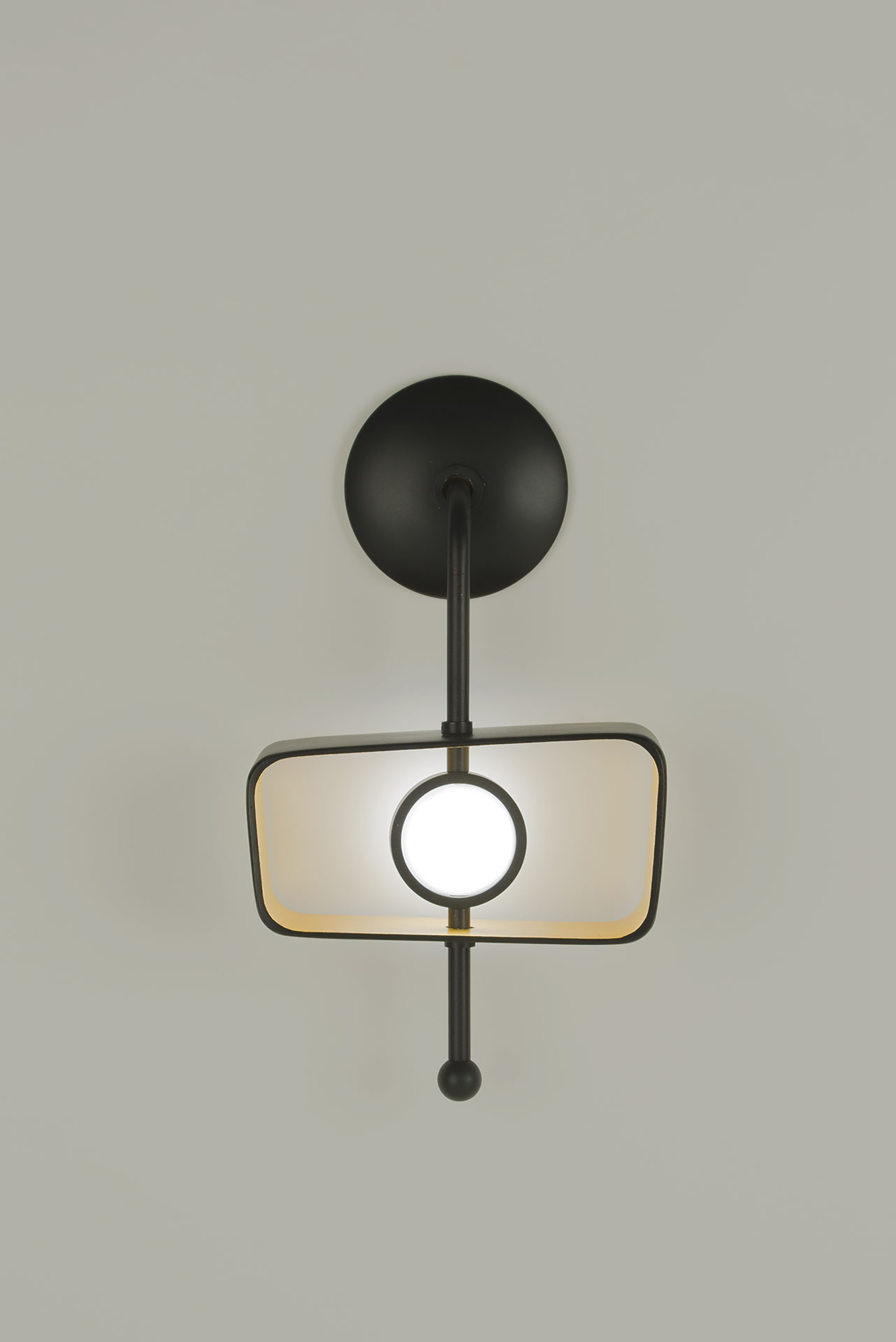 Boyd Lighting_Totem Sconce Trapezoid