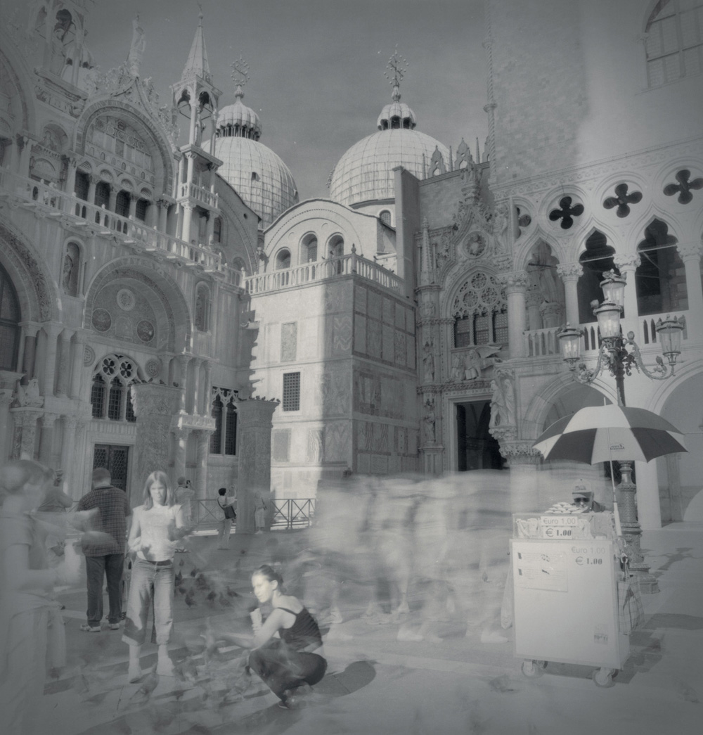 San Marco, girls and pigeons, 2003
