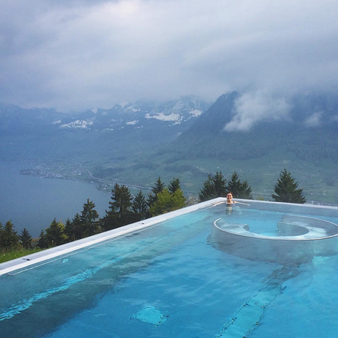 The pool was just OK. 😉#jennandjohnsbieradventure