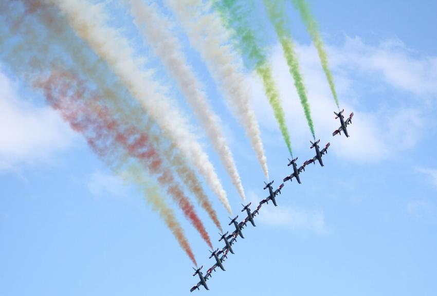 frecce-tricolori-1541706_1280.jpg