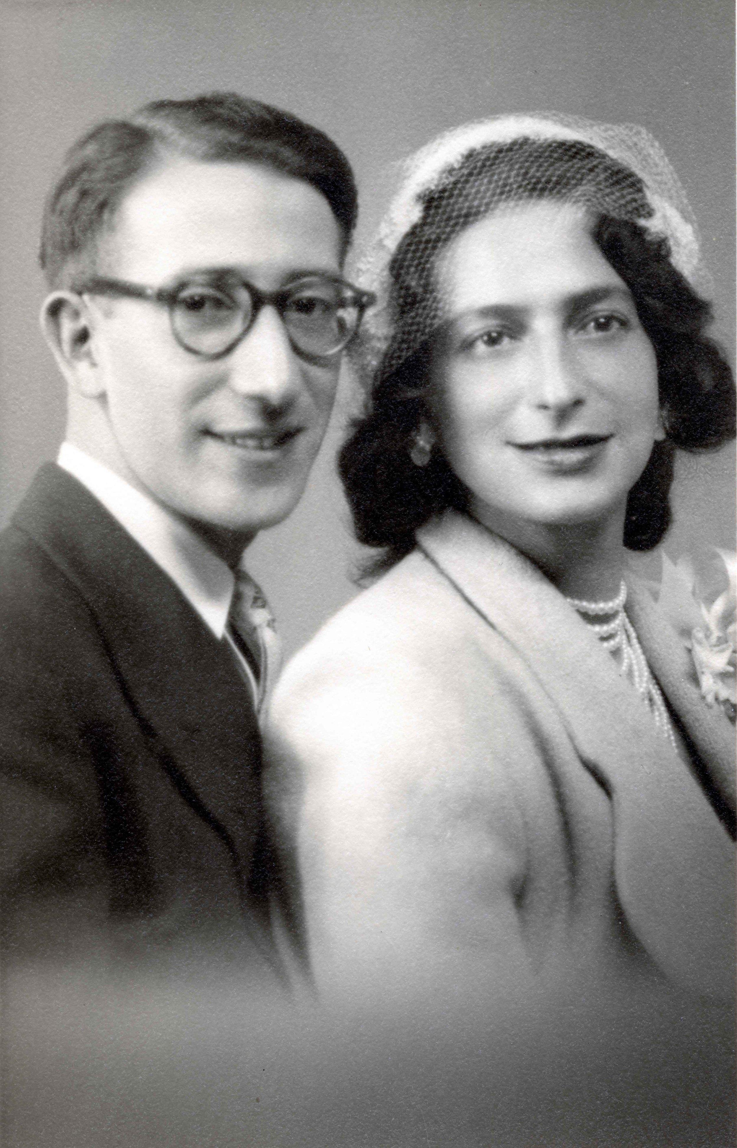 Hana & Ralph on their wedding day / October 1952