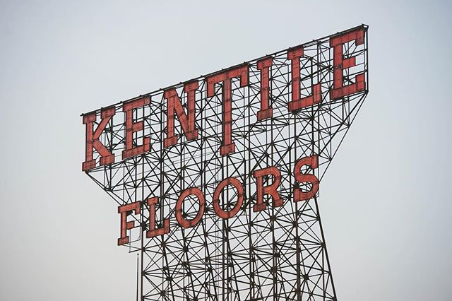 Gowanus's Kentile Floors sign as it was before being put in storage in 2014. . . . #krny #newyork  #nyc @newyork_instagram @instanyc @instagramnyc #newyork_instagram #instanyc #instagramnyc #what_i_saw_in_nyc #graffiti #art #architecture