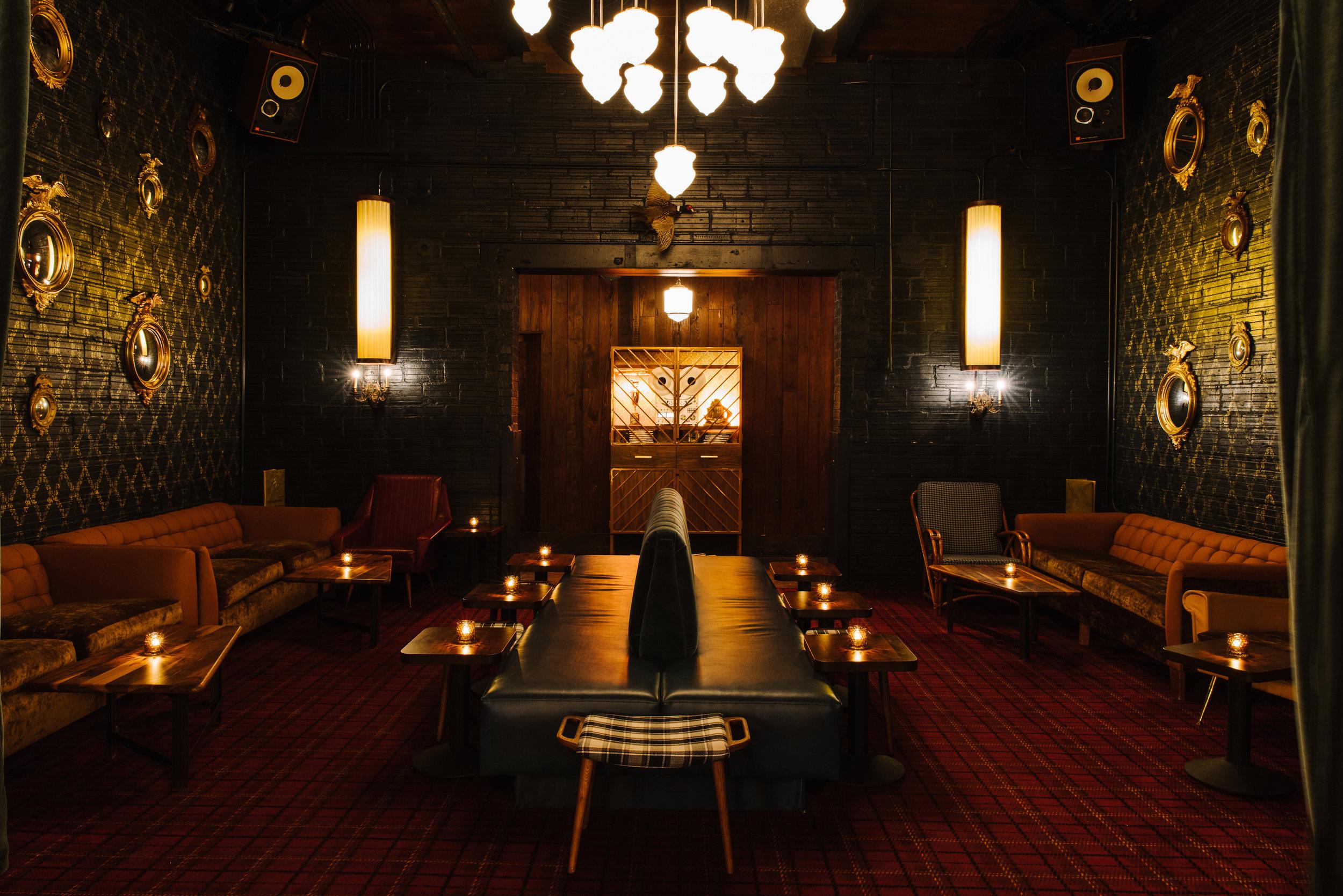 Golden Eagle Living Room Lounge, designed by Elizabeth Ingram. Photo: Andrew Thomas Lee