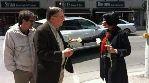 Team up with a city councillor - Team up with a local councillor to hand out flowers to passers-by