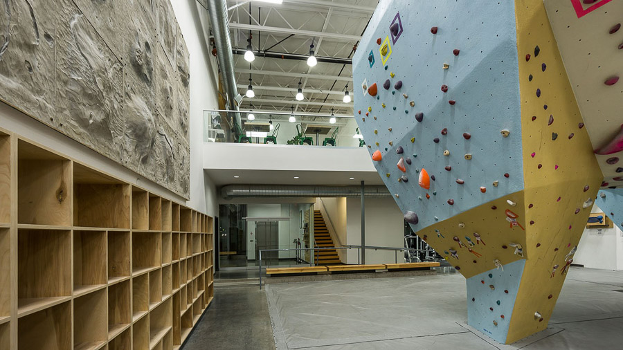 team-masters-construction_acoustical-ceiling-drywall-metal-framing-Portland Rock Gym-Portland-OR-Renovations-tenant-improvement2.jpg