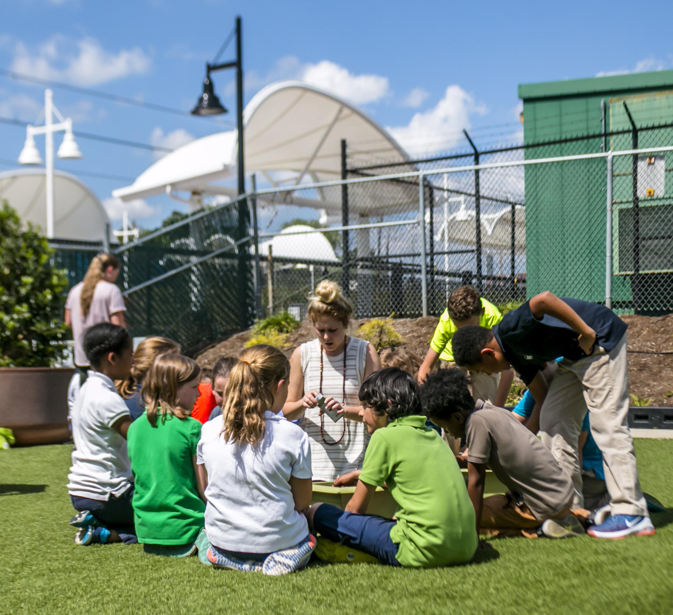 Pop Up Produce - Charlotte Lab School (11 of 23).jpg