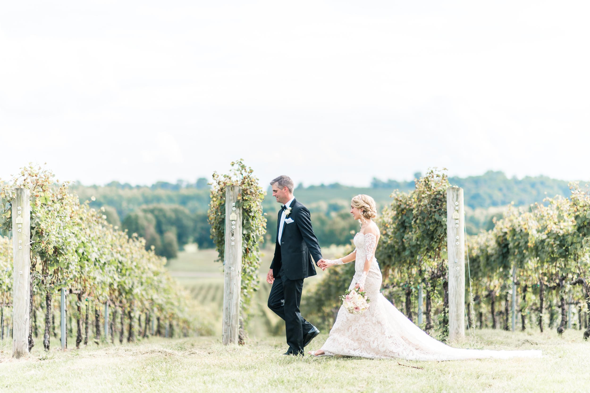 3-chris-lindsay-trump-winery-charlottesville-virginia-wedding-photographer-49.png