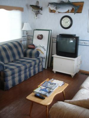 Lake-Erie-Fishing-Charter-Lodging.jpg